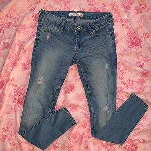 Hollister Distressed Skinny Jeans size 3 s…